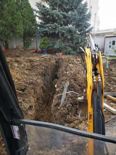 кърти дум копае - подмяна на горивни тръби в бензиностанция