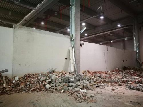 Къртене-почистване-стена-2